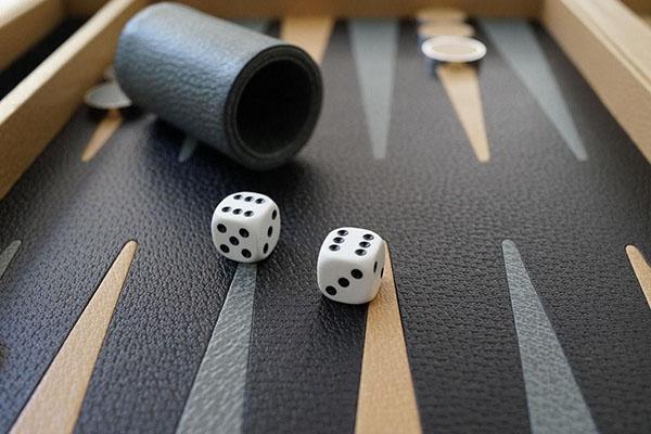 آموزش بازی تخته نرد شرط بندی آنلاین + قوانین بازی تخته نرد شرطی