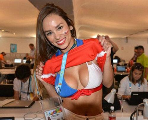 سکسی ترین تماشاگران زن فوتبال 18+