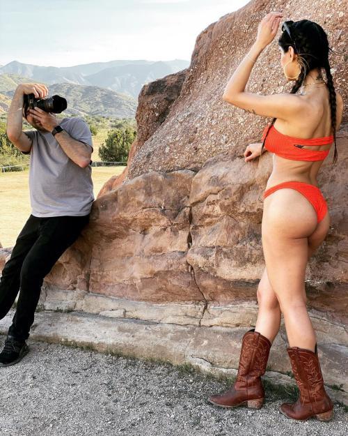 عکس های لخت اندام میا خلیفه Mia Khalifa بازیگر پورن