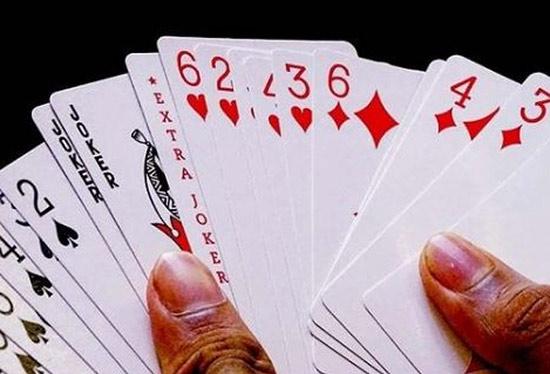 آموزش بازی پاسور 13 + قوانین و نکات برد Thirteen Card Game